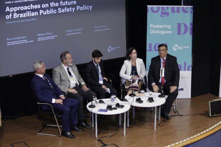 Na palestra em Londres, Flávio Dino defende escola integral