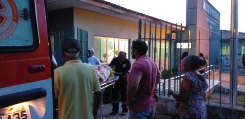 Colisão entre moto e trator deixa casal gravemente ferido na PI-112