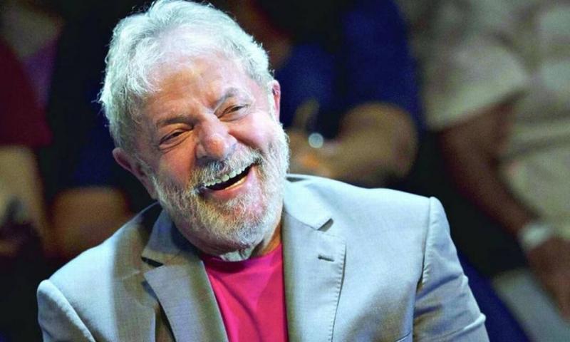 Lula revela estar apaixonado e ter planos de se casar