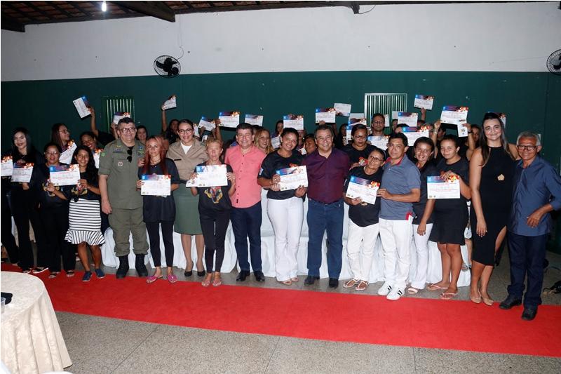 Prefeitura de Água Branca realiza formatura da primeira turma do PROERD Pai