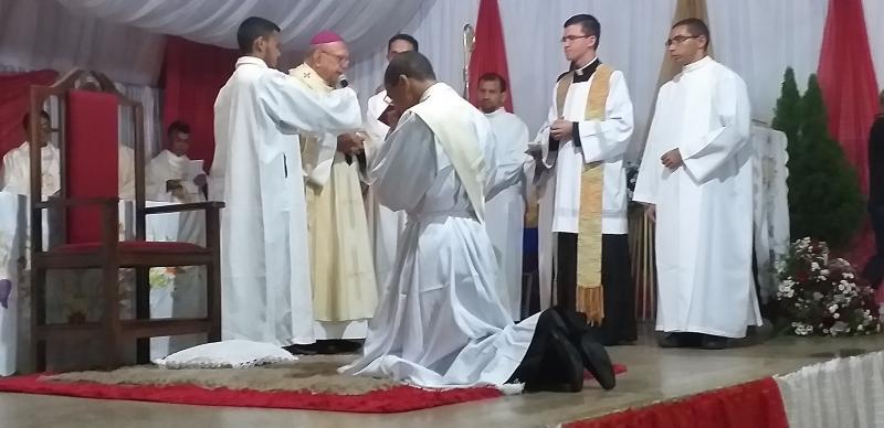 Francisco Aquino é ordenação o 1° Padre olhodaguense