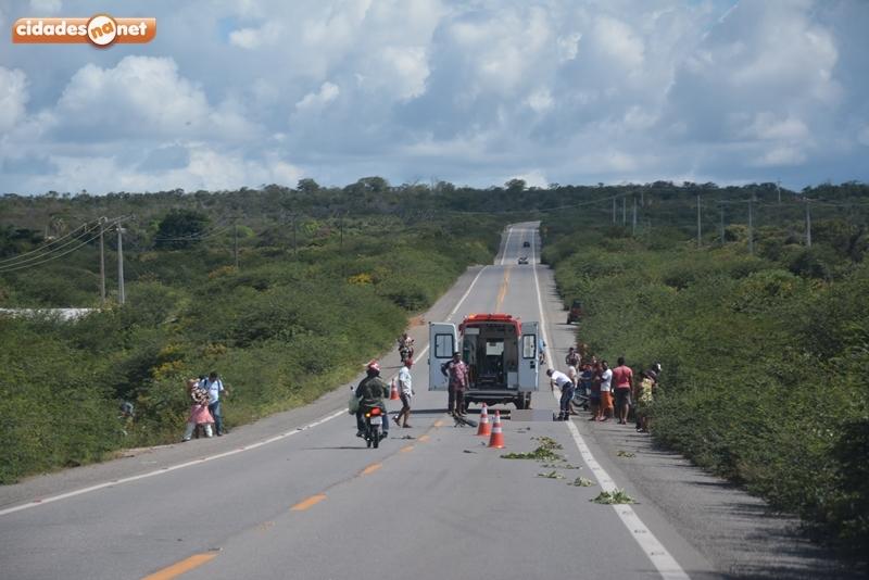 Motociclista morre após bater de frente com caminhão no Piauí