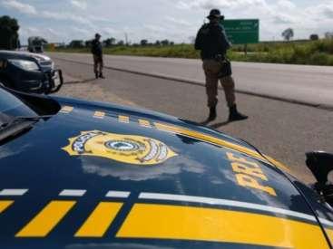 Motociclista é detida após tentar fugir da PRF em Parnaíba