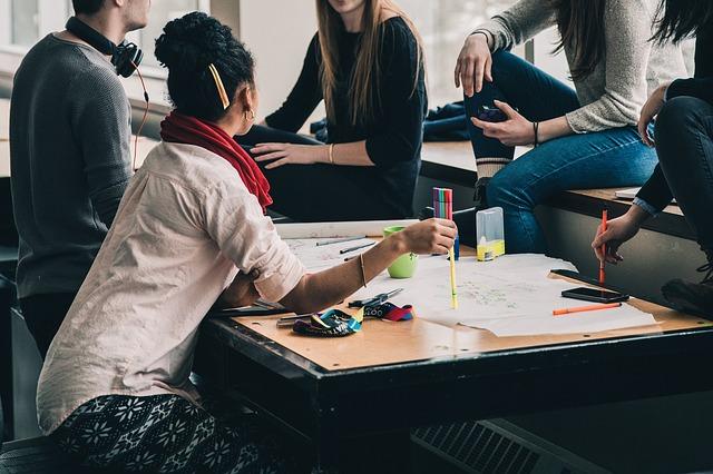 MEC reconhece 19 novos cursos EAD e amplia vagas no Ensino Superior