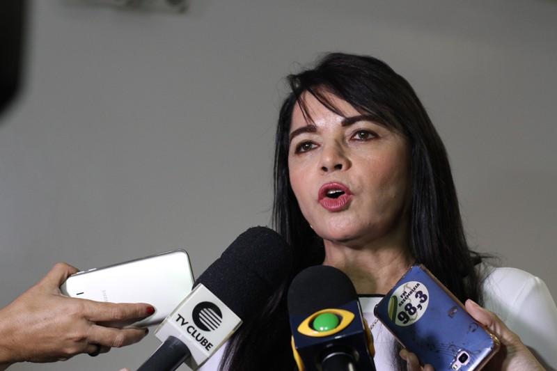 Deputada afirma que Secretaria de Governo é 'cabide de emprego'