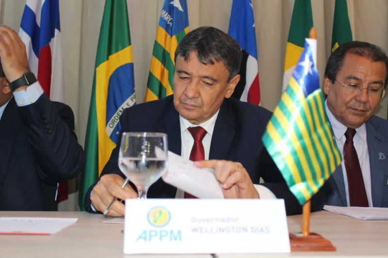 Wellington Dias assina carta contra decreto pró-armas