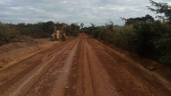 Prefeitura de Colônia do Gurgueia melhora estrada da Boa Esperança