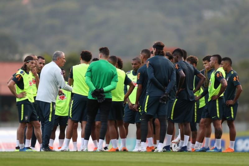 Seleção Brasileira inicia preparação para amistosos nesta quarta