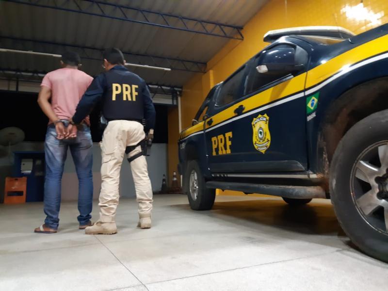 Acusado de homicídio é preso pela PRF em Floriano