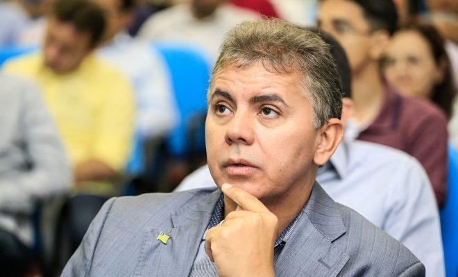 Paulo Martins nega positivável saída do PT e poderá assumir a CMTP