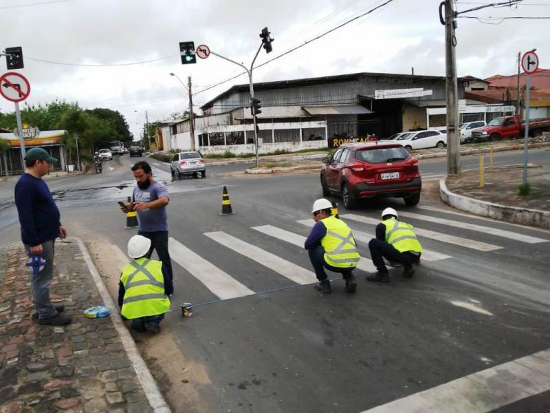 Cruzamento da Gil Martins e Celso Pinheiro terá fiscalização eletrônica