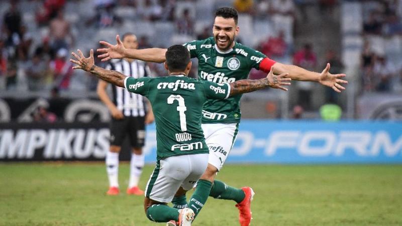 Globo tenta fechar direitos de transmissão com Palmeiras nesta quarta
