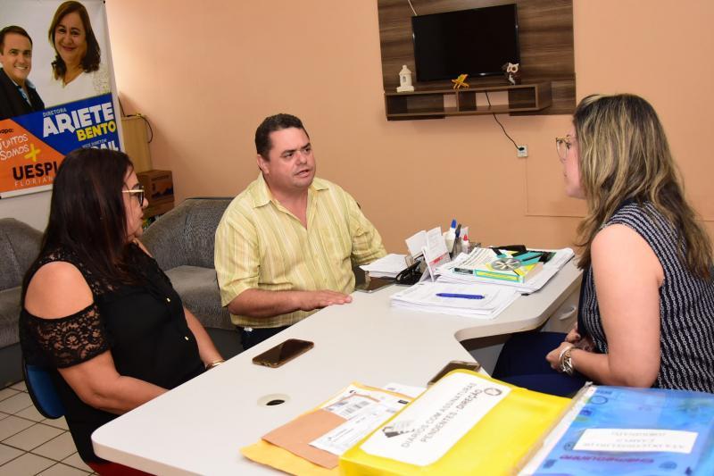 SECOM e UESPI discutem projeto do curso de Jornalismo em Floriano