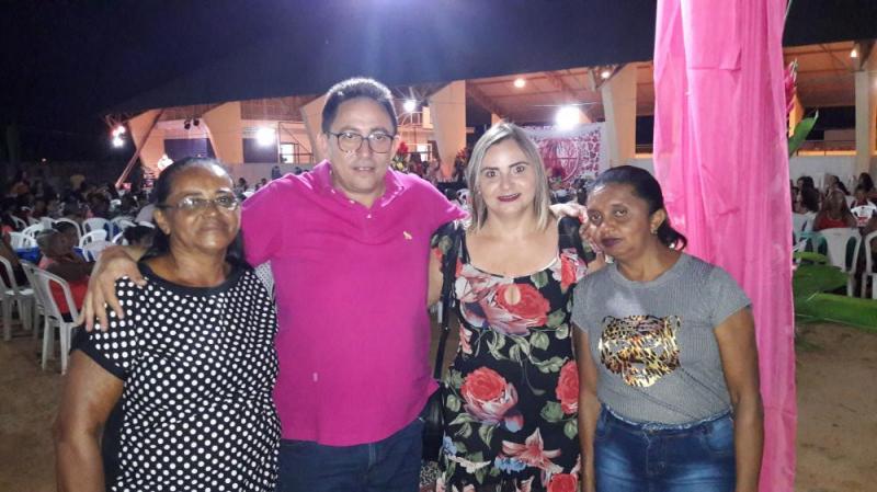 Prefeito Walter Alencar realizou grande Festa em Homenagem as Mães