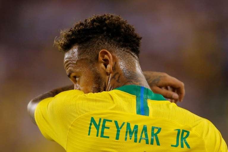 Neymar deve se apresentar neste sábado na Granja Comary