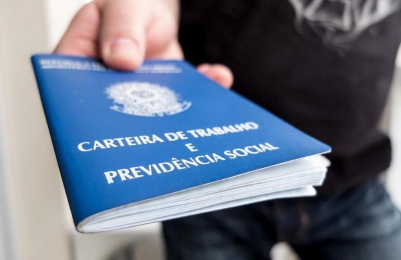 Geração de empregos fica estável no Piauí em abril