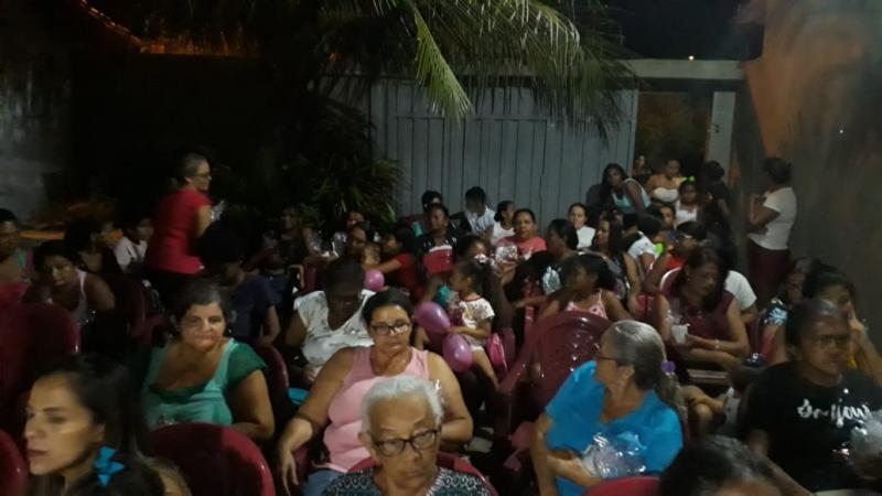 Mães do Bairro Flor do Campo comemoram a passagem do seu dia