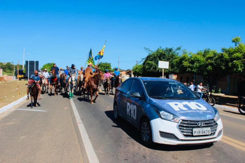 Oeiras realiza 70° Cavalgada em homenagem aos vaqueiros