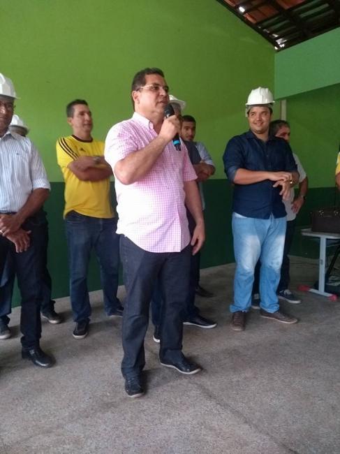 Prefeito de Demerval Lobão realiza vistoria em obras, e inaugura UBS