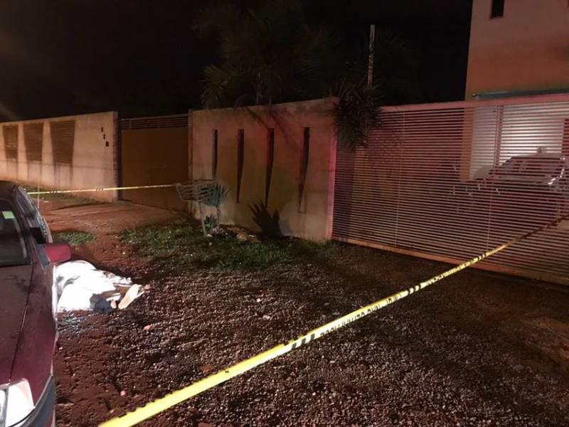Pai e filho são assassinados após briga com vizinho por causa de lixeira