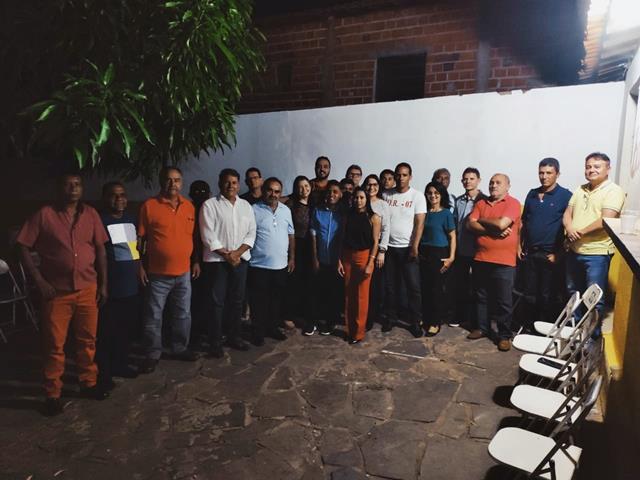 Oposição realiza primeira reunião para discutir 2020 em Novo Oriente