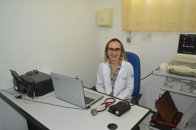 A LACSIM comemora três anos com A Cardiologista Dra Alice Coelho