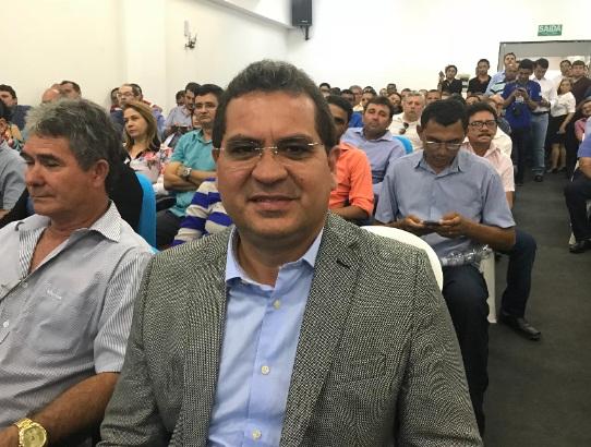 Prefeito Júnior Carvalho participa de encontro com ministro da Saúde Ricardo Barros