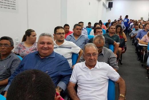 Prefeito de Lagoinha do Piauí participa de encontro com ministro da Saúde na APPM