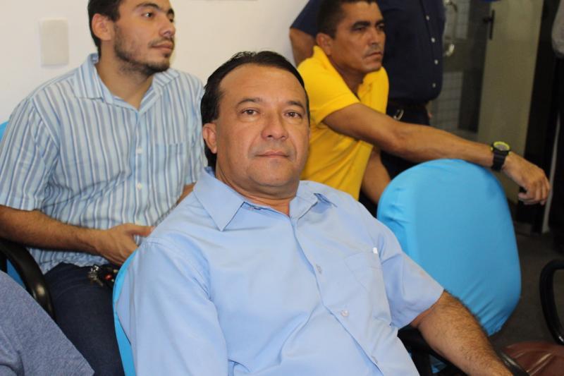 Prefeito de Curralinhos participa de reunião com ministro Ricardo Barros
