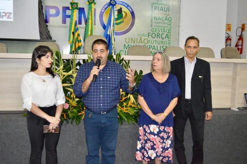 Prefeito de Lagoa do Piauí participou do curso de Gestão de Pessoas na APPM