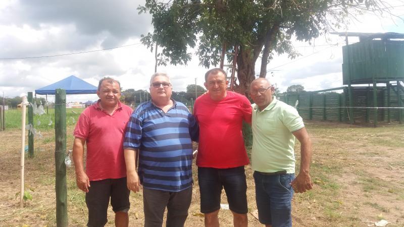 Prefeito Dr. Alcione realiza visita ao parque de vaquejada Médio Parnaíba