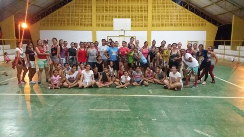 Prefeitura de Pau D'arco do PI oferece aula de zumba
