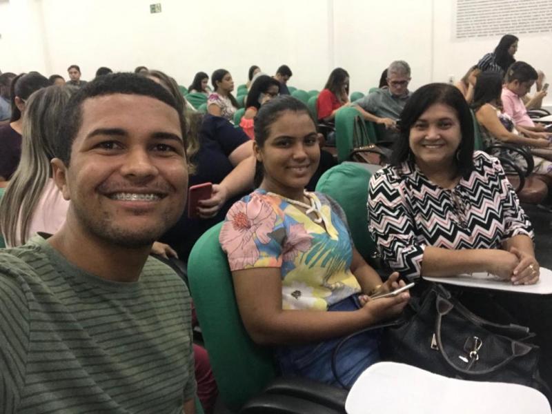 Serecretária municipal de saúde de Lagoinha   participa de  seminário