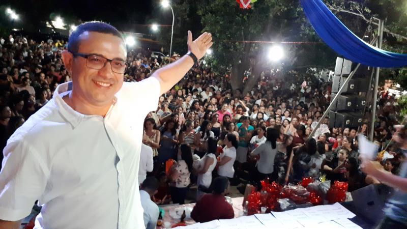 Prefeitura de Lagoa de São Francisco realiza festa para milhares de mamães