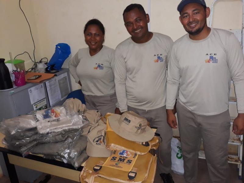 Agentes de Endemias de Barra D'Alcântara recebem novos fardamentos