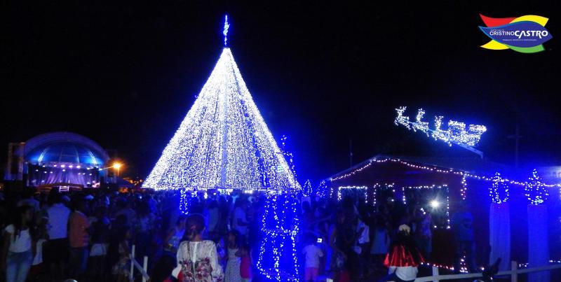Prefeitura de Cristino Castro realizou abertura  histórica do Natal dos Sonhos