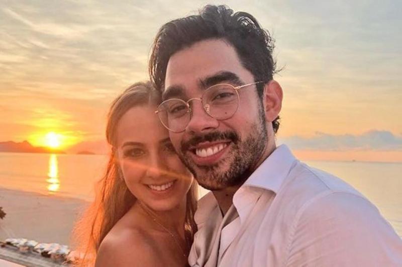 Foto: Reprodução - Gabriel Diniz e sua noiva, Karoline Calheiros.
