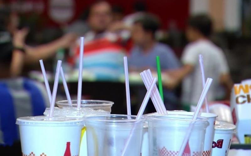 Nova lei proíbe uso de canudos plásticos em Teresina