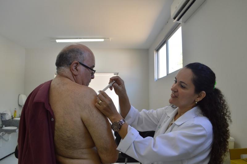 Teresina recebe mais 10 mil doses de vacina contra a gripe