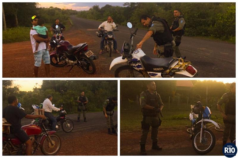 PM realiza Barreiras Policiais e aborda carros e motos  em Campo Largo-PI