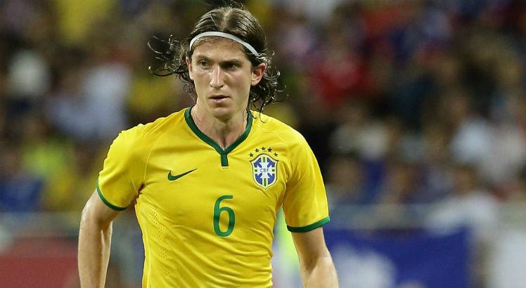 Após jogo contra o Catar, Filipe Luís revela quando resolverá seu futuro