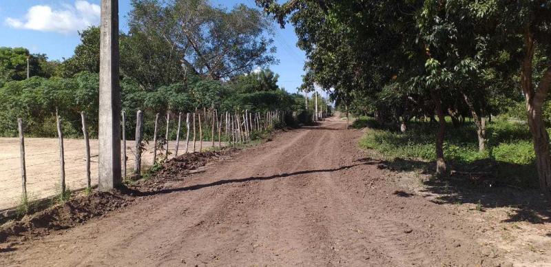 Prefeitura realiza obras em estradas de Monsenhor Gil