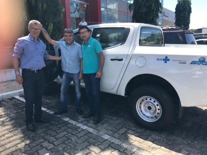 Monsenhor Gil recebe veículo para a Saúde após cumprir metas