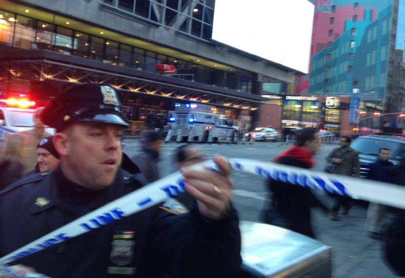 Explosão atinge estação de metrô em Nova York; linhas são esvaziadas