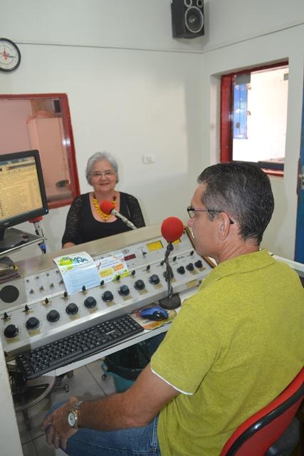 Secretária de Meio Ambiente de S. Mendes dá entrevista na Rádio Mafrense