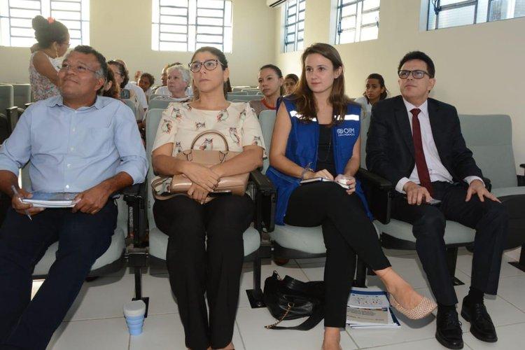 Zé Santana trata da situação de venezuelanos em Teresina