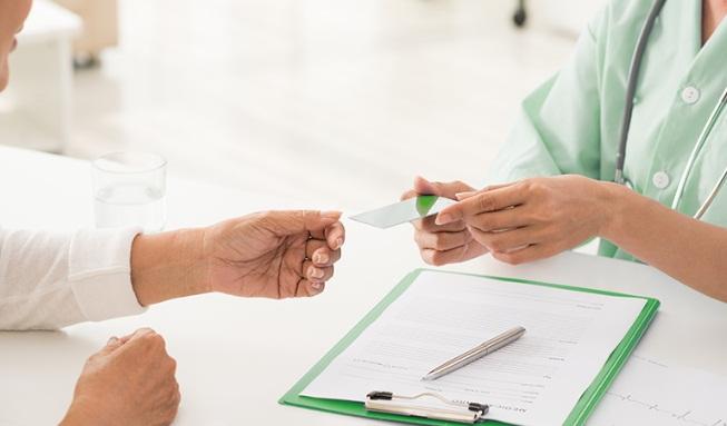 ANS suspende a venda de 51 planos de saúde no país