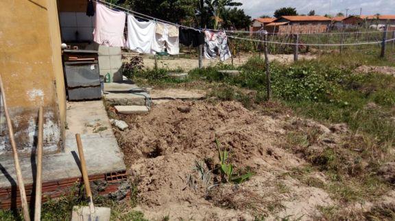 Mulher é encontrada enterrada no quintal de casa no Piauí