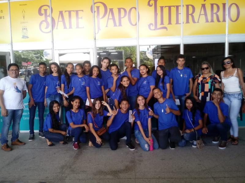 Alunos de Pau D'arco do PI visitam XVII SALIPI em Teresina