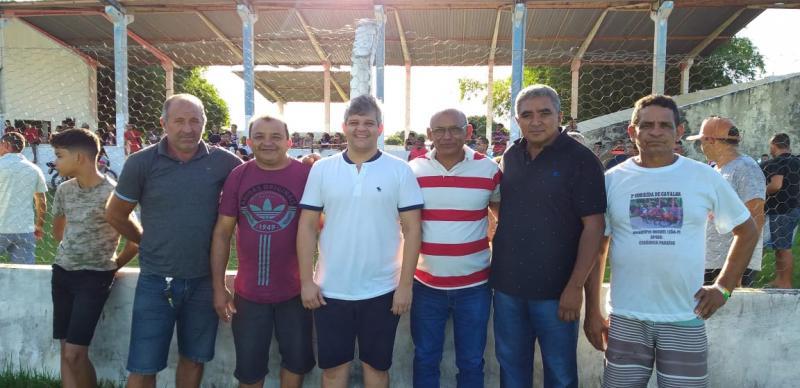 Prefeito Robertinho recebe seleção de Lagoinha do Piauí